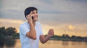 Tetap Nyaman Berkomunikasi Saat Berada di Luar Negeri