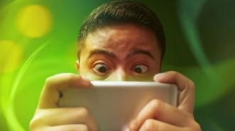 Nekat, Pria Ini Curi Jutaan Dollar untuk Main Game Mobile
