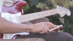 Ingin Belajar Bermain Gitar? Fender Play adalah Solusinya!